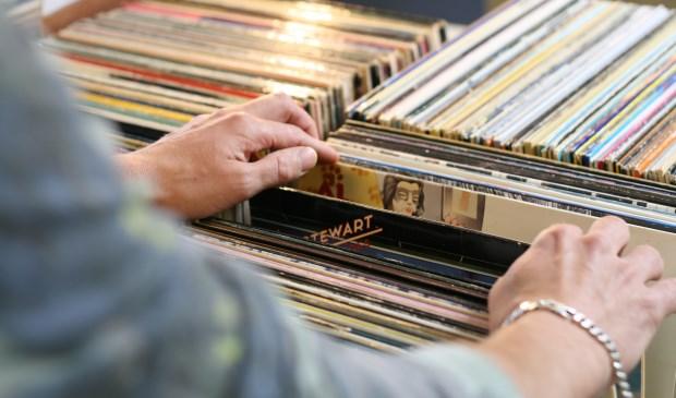 Liefhebbers van platenmuziek kunnen hun hart ophalen tijdens de platenbeurs  © Persgroep