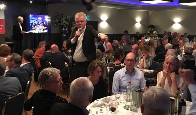 Dit diner met veiling heeft het bedrag van 20.000 euro  opgeleverd. Het bedrag komt ten goede aan de Stichting De Mantelmeeuw.