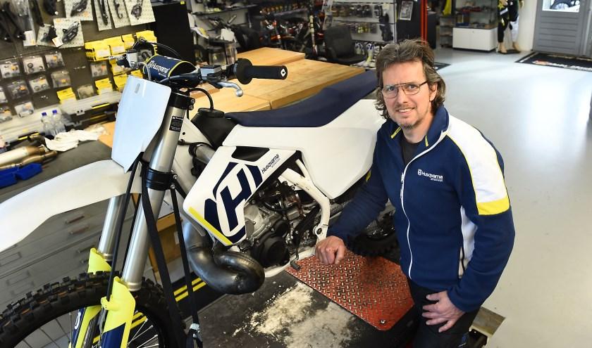 Albert Mellendijk van Mellendijk Motor Parts. (Foto Roel Kleinpenning)