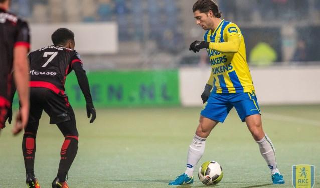 De thuiswedstrijd van RKC Waalwijk tegen Helmond Sport eindigde vorig seizoen in een 1-0 overwinning voor de Geelblauwen. Het beslissende doelpunt kwam op naam van Serginho Greene.