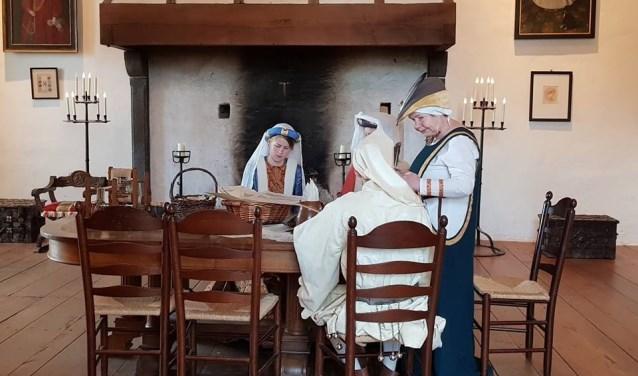 Zondag 31 maart kun je een aantal middeleeuwse kasteelbewoners tegenkomen in Kasteel Ammersoyen.