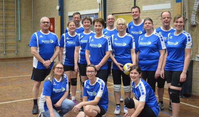 De volleyballers na afloop van de laatste training in De Schakel. Eigen foto