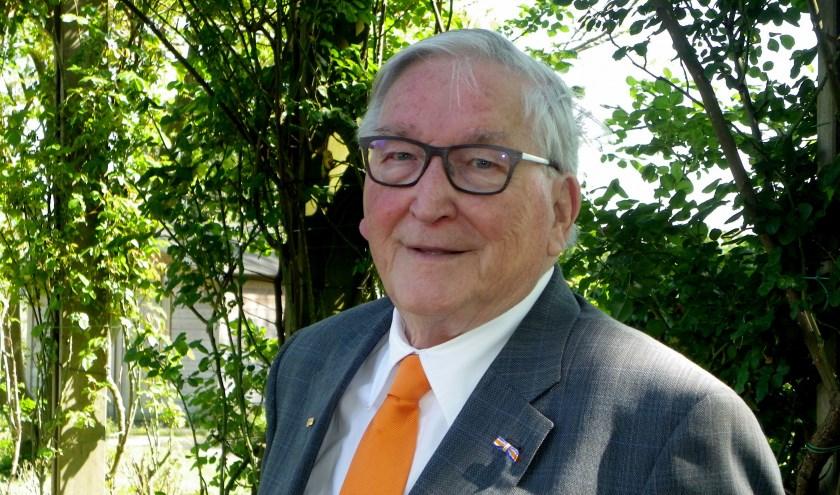 Anne de Jong is al ruim 30 jaar het gezicht van de Oranjevereniging in Boskoop. Ook deze Koningsdag zal de oud-voorzitter tijdens de aubade niet op het bordes ontbreken.