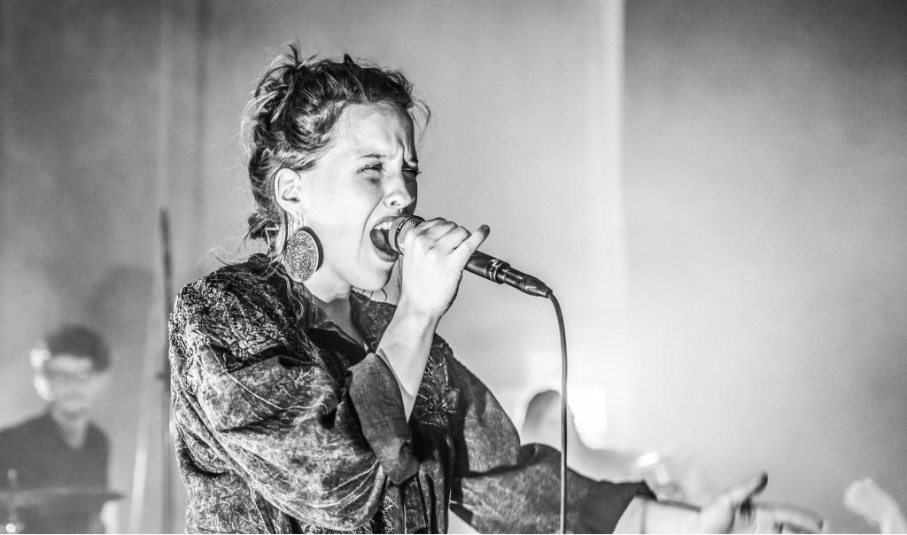 Vera Bon, zangeres, muzikant  © Persgroep