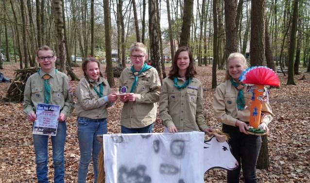 Scouts van de Witte Wieven. (van links naar rechts Nikai, Roos, Lucas, Lisa en Birtte) (Foto: Daan Pardijs)