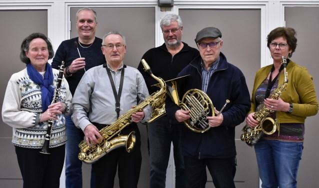 Van links naar rechts: Jacintha Verhagen, Reinhard Wind, Frans Meeusen, Ben van de Pas, Jan Westerterp en Ria Smeets.