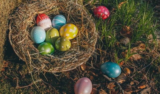 Tijdens Pasen is het traditie om eieren te zoeken, te beschilderen en te eten