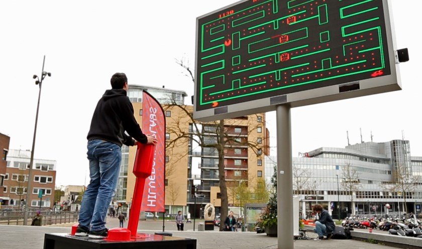 Kom op Koningsdag naar De Nieuwe Stad en speel o.a. arcade klassiekers als Pacman, Tetris en Snake met een mega Commodore 64 joystick.