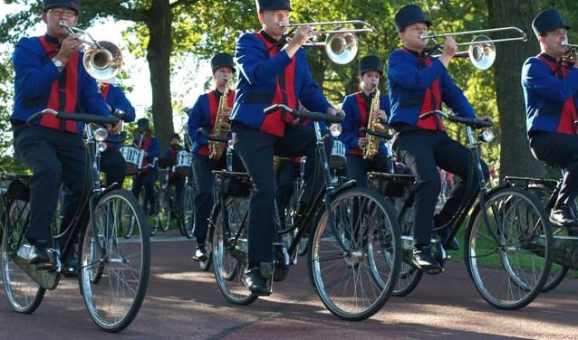 Bycicle Showband Crescendo zorgt dit jaar voor een spektaculaire opening van Koningsdag. Foto: PR