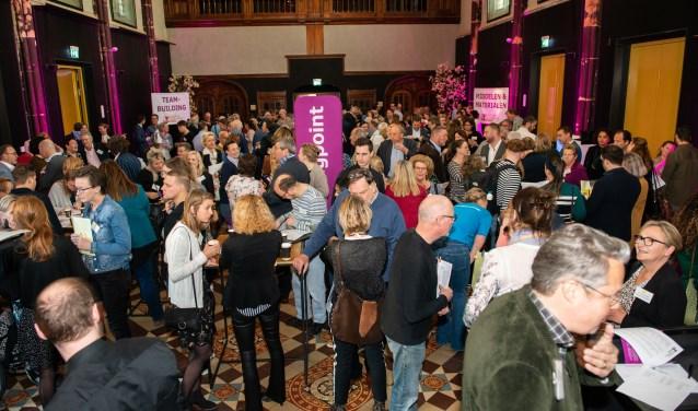 Ruim 230 vertegenwoordigers van 92 maatschappelijke organisaties en 55 bedrijven waren  donderdagochtend 11 april present bij de 18e Meet & Match in Hotel Nassau Breda. FOTO: REINIER DE VLAAM