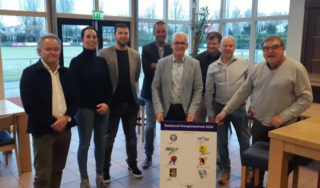 Voorzitters van sportclubs op De Rusheuvel pakken zich samen en vragen collectieve hulp aan wethouder Kees van Geffen. Op die manier hopen zo op extra steun van de gemeente.