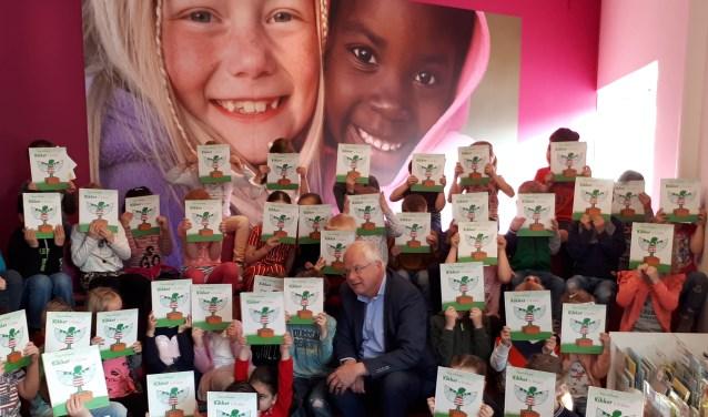 De kleuters van basisschool De Hoeksteen hebben 'Kikker is Kikker' al. Binnenkort krijgen de andere kleuters het prentenboek ook als onderdeel van een campagne om voorlezen te bevorderen. Foto: Idea Zeist.