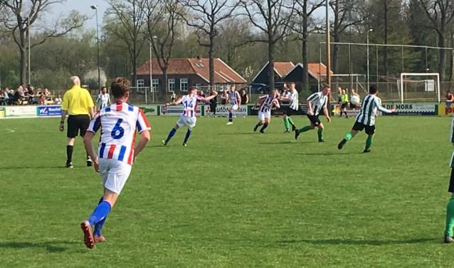 v.v. Haaksbergen heeft afgelopen zondag de uitwedstrijd in Borculo tegen DEO met 1-2 gewonnen.