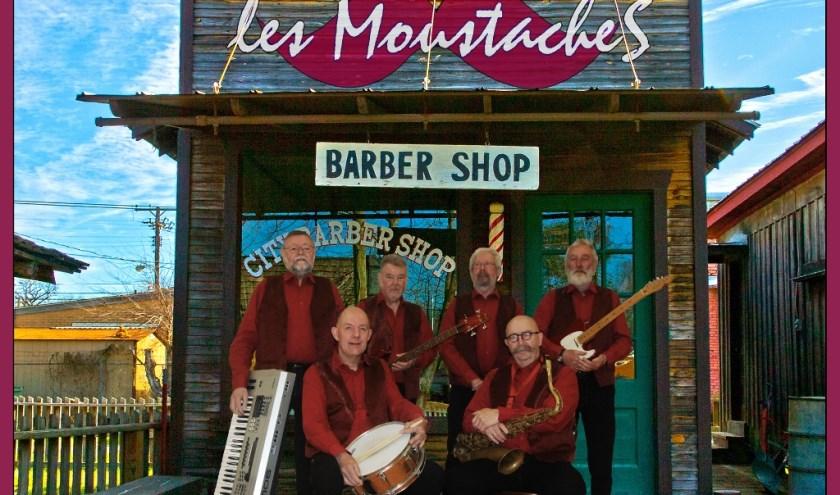 De band speelt popmuziek van alle jaren, beginnend in de jaren 60 tot nu. Ook Nederlandstalig. Eigen foto