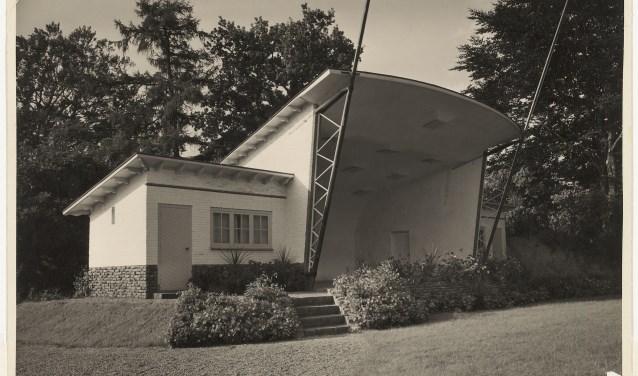Muziektent aan het Emmapark, 1950.