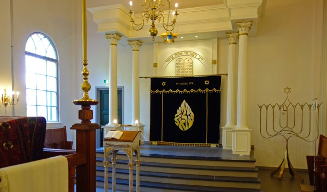 Tijdens de rondleiding 'Langs Kapel, Kerk en Synagoge' door de Bredase binnenstad, die dit jaar maar 4 keer gehouden zal worden, kun je ook 'n kijkje in de Synagoge in de Schoolstraat nemen. FOTO: JAN KOREBRITS