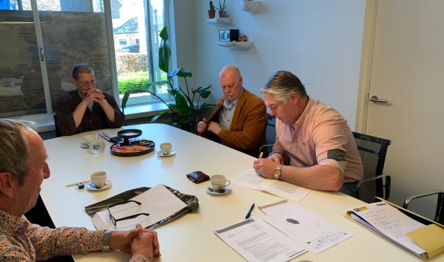 Na het passeren van de akte bij de notaris ontving het bestuur van de stichting de sleutels van het pand aan de Matterhornstraat uit handen van Albert van Wijk, voorzitter van Stichting Rolita, de voormalig eigenaar.