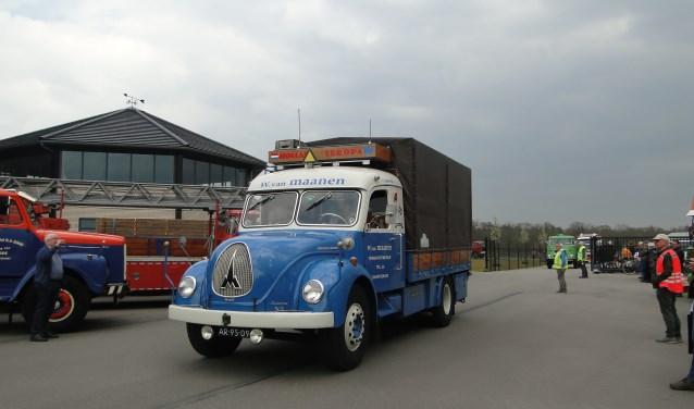 Een van de trucks die zaterdag viel te bewonderen op het terrein van Verhoef in Kootwijkerbroek.