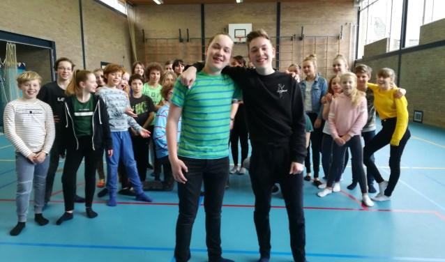 Soof-tweeling Brent en Niek spelen deze meivakantie weer een voorstelling met theatergroep Kleine Kees. (foto: Hannie Schrijver)
