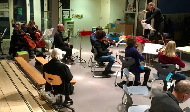 Orkestrepetitie voor de volksopera in OBS De Trumakkers. Foto: Peter Greve