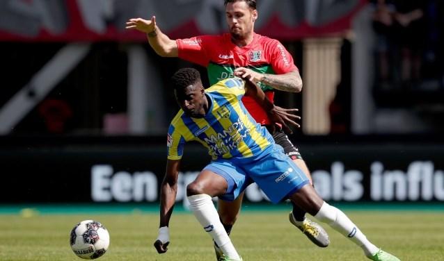 RKC verloor op 2e Paadag in Nijmegen met 2-1 van NEC. De Geelblauwen  gingen nog wel met een voorsprong de rust in. Stijn Spierings nam de Waalwijkse treffer voor zijn rekening.
