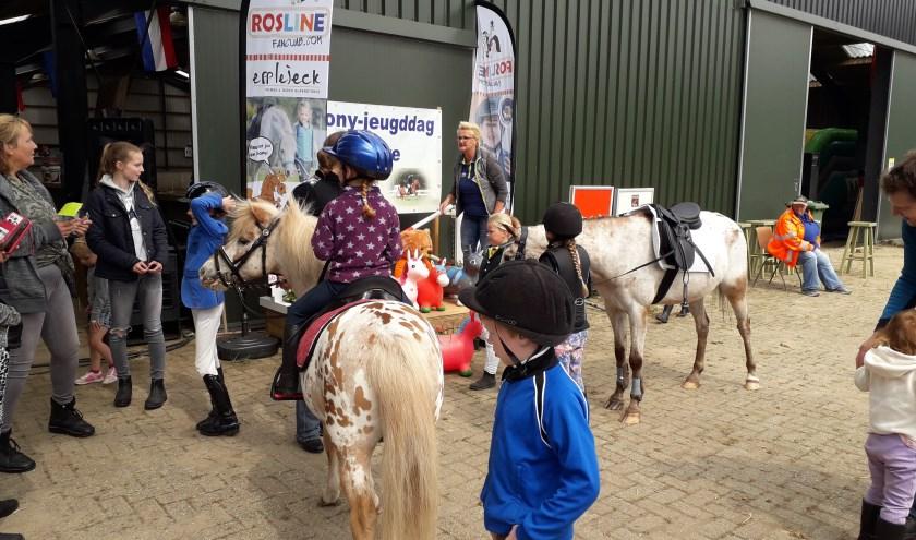 Tiende editie pony- en jeugddag Grave op z'n paasbest. (archieffoto organisatie)