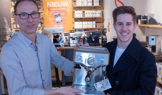 De workshop bestaat uit kennis over koffie, maar ook 'hands-on' ervaring zoals zelf koffie maken met een echt espresso apparaat.