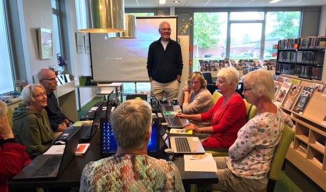 Binnenkort start bij de bibliotheek in Didam en 's-Heerenberg een vierdelige cursus rondom Windows 10. (foto: iPad4Senior)