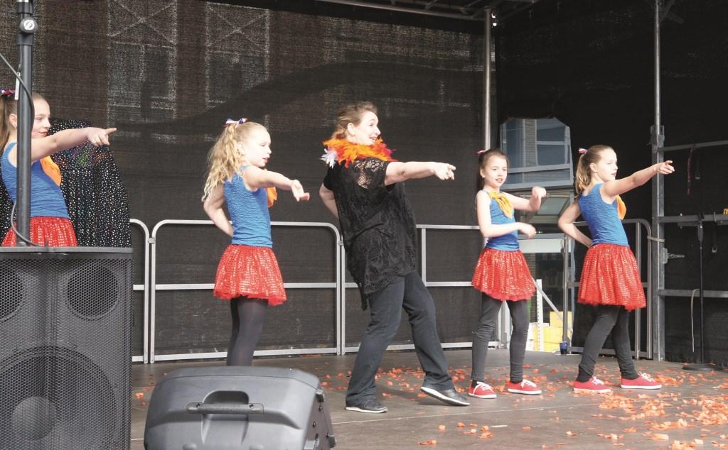 Iedereen die een act heeft kan die tijdens het open podium op Koningsdag laten zien en horen. (Aanmelden: www.koningsdagwestervoort.nl)