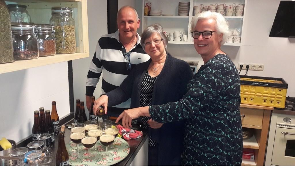 Breunis en Ineke van de Pol en rechts Jorina van der Beek.  © Persgroep