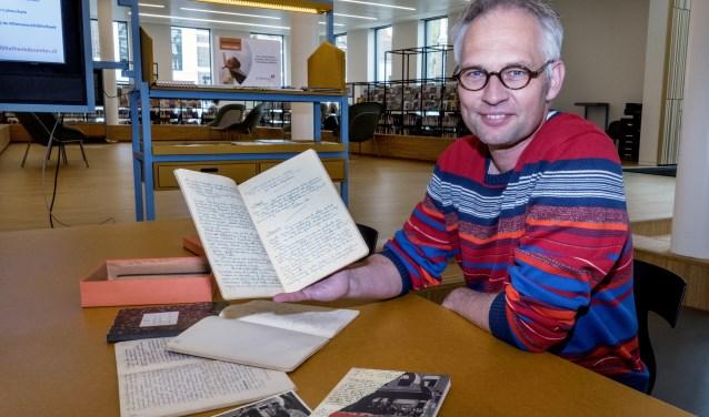 Auteur Marc Dekkers heeft met veel plezier zo'n anderhalf jaar aan het tachtig pagina's tellende boek Alles behouden gewerkt. (foto Auke Pluim)