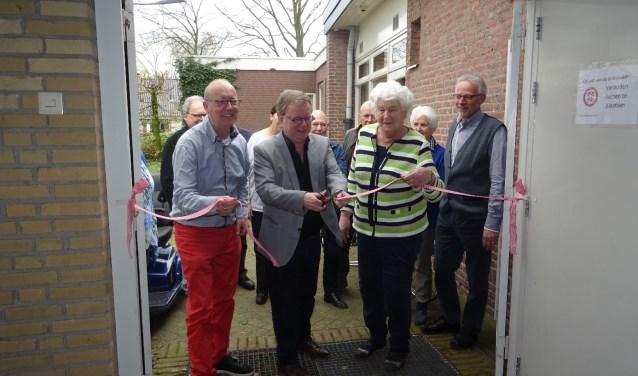 Wethouder De Bruijn zorgde voor de officiele openingshandeling.