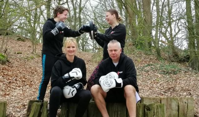 Kickboksvereniging Mu Thay houdt zelfs wel een trainingen in de frisse buitenlucht.