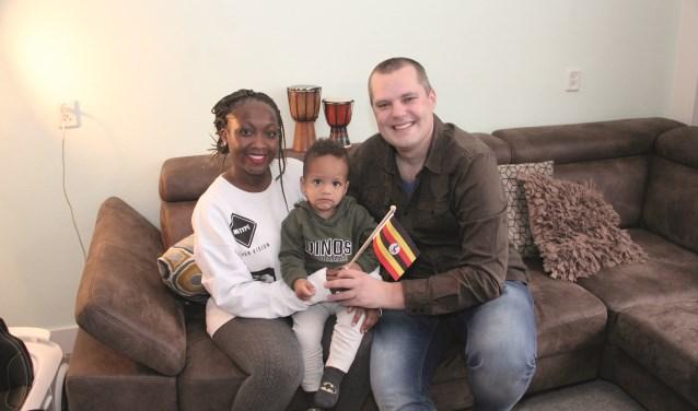 Klaas Castelein met zijn vrouw Jackie en hun zoon Kay.