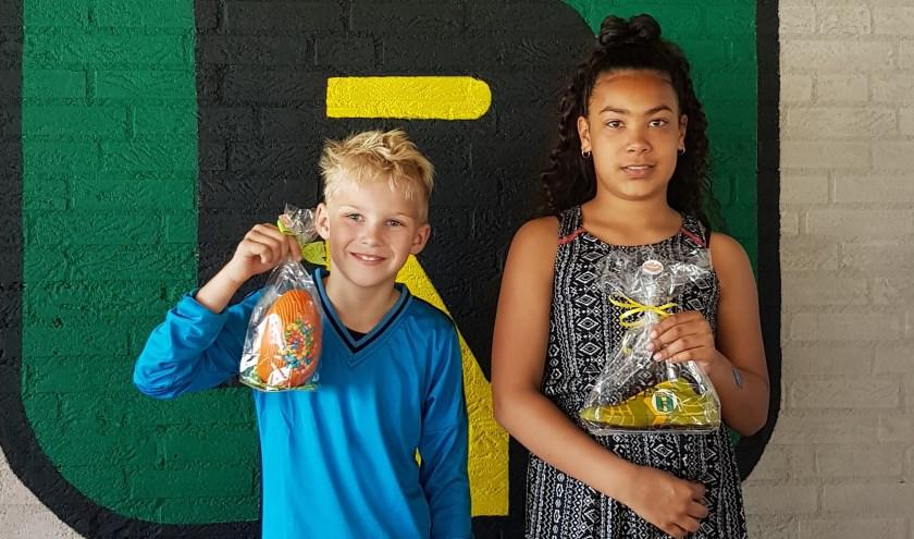 De vinders van het gouden ei bij het paasevenement van Rijnmond HS.