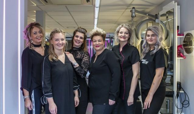 De dames van Het Schaartje en Schoonheidssalon Haarle zijn helemaal klaar voor de inloop op woensdag 17 april.