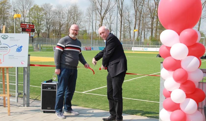 Het veld wordt geopend door wethouder Kees Geldof en voorzitter Johan Boer.