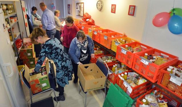 De Voedselbank in Montfoort moet momenteel woekeren met de ruimte die ze heeft. Het is passen en meten. (Foto: Paul van den Dungen)