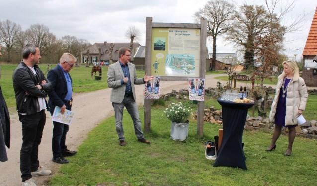 Het Fraterbier werd gepresenteerd op het terrein van camping 't Klooster aan de Ellenhoorn in Wapenveld. (foto: Jan Nitrauw)