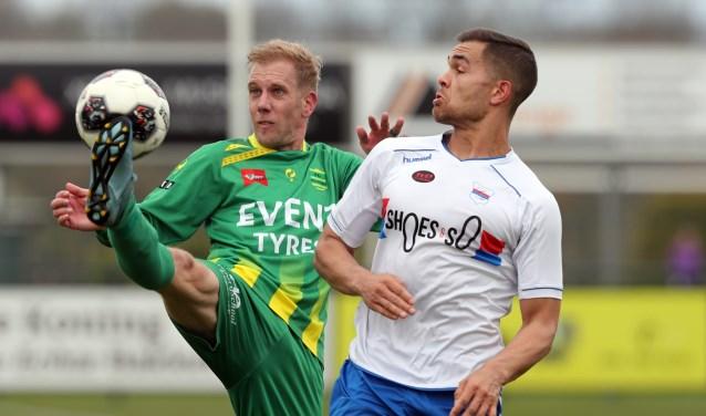 SC Botlek hield lang gelijke tred met FC Binnenmaas, maar verloor uiteindelijk toch met 3-2 (foto: John de Pater)