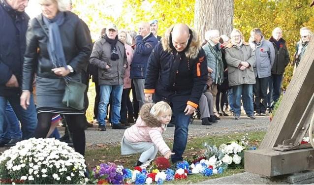 Ook dit jaar worden er bloemen beschikbaar gesteld door de werkgroep Bevrijdingsmonument Welberg.
