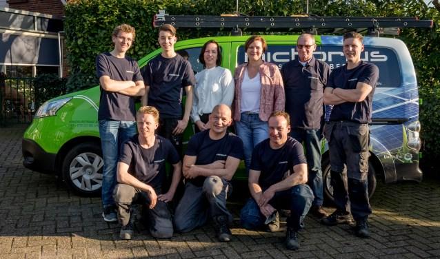 Het team van Installatiebedrijf Michorius. Het zijn momenteel drukke tijden. Foto: Erik de Just Foto Vaarhorst.