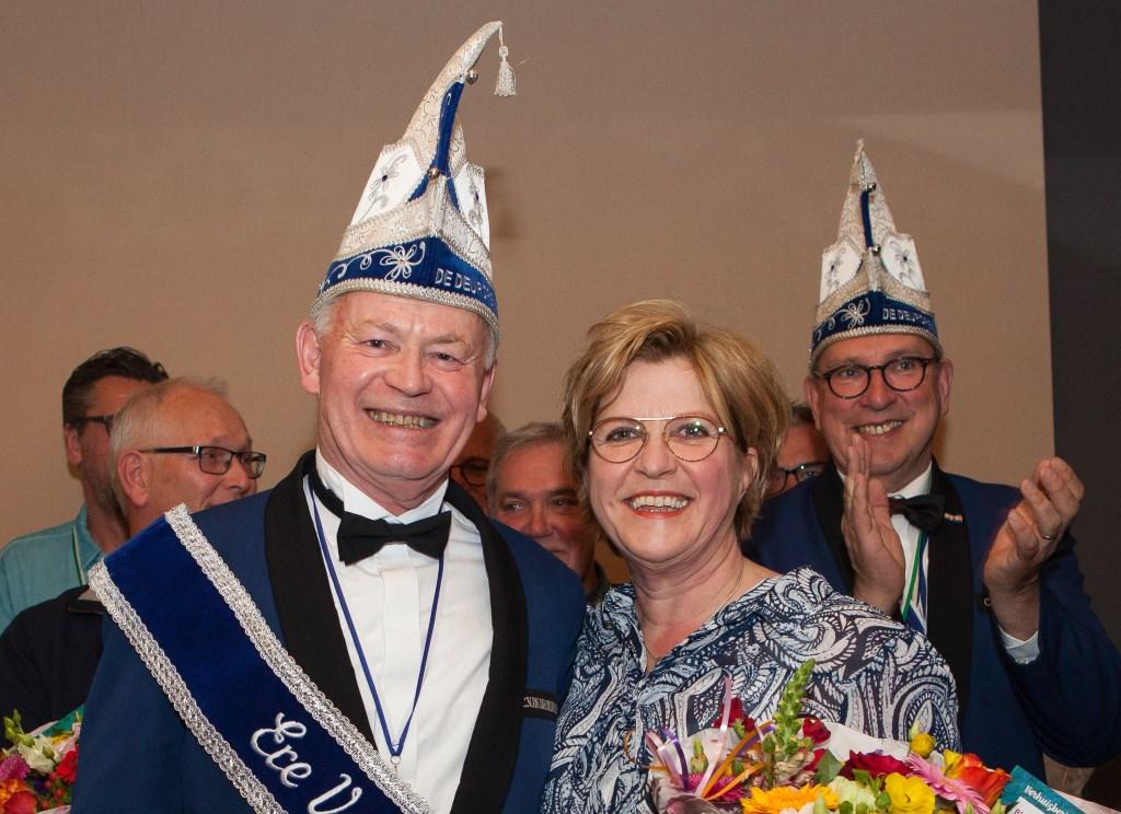 Een stralende erevoorzitter Geert Smits met zijn echtgenote Betty.