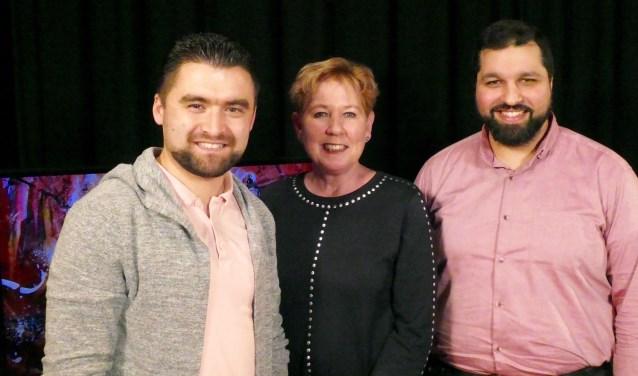 In 'Anders dan Anders' praat Jacqueline Fenn met twee jonge moslims: Osman Cifcie en Ömer Celik. Foto: Ad Kraamer