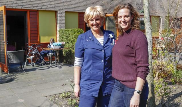 Rian de Wit en Ellen Lodewijks zetten zich in om bij Merefelt een overkapping te realiseren. FOTO: Bert Janssen.