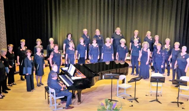 Het grootste deel van Vrouwen Vocaal Ensemble Sirena