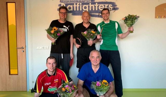 Boven links: Arjen Koops, Gerrit Ruijter en Gert Kwast. Onder: Rick Kwast en Egbert Kolthorn. (Foto: Juliët Ruijter)