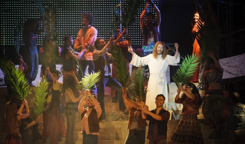 Ted Neeley en zijn cast tijdens de voorstelling