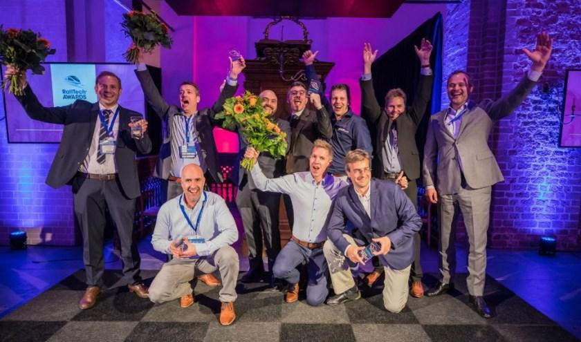 Grote blijdschap bij de afvaardiging van Castlab uit Tilburg na het winnen van de prestigieuze Innovation Award