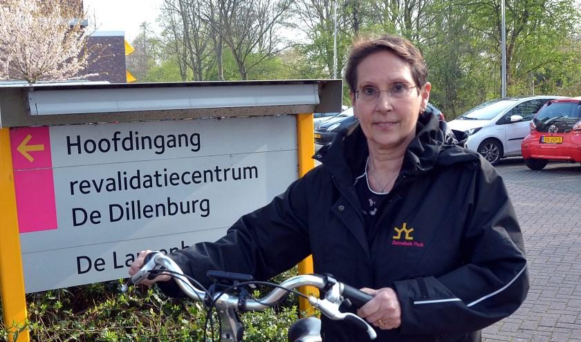 Op www.naasteninbeeld.nl staan allerlei tips en tools om gemakkelijk contacten te leggen. 'Blijf actief en zorg voor een netwerk!', is Alie's advies. (Foto: Frans Assenberg)